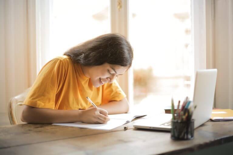 Girl taking Junior Cert English Grind